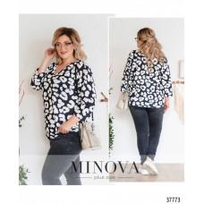 Женская стильная рубашка батал с ярким принтом-черно-белый