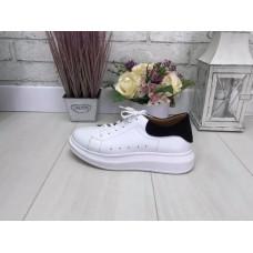 Женские кроссовки белая Кожа
