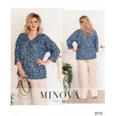 Женская стильная рубашка батал с ярким принтом -голубой