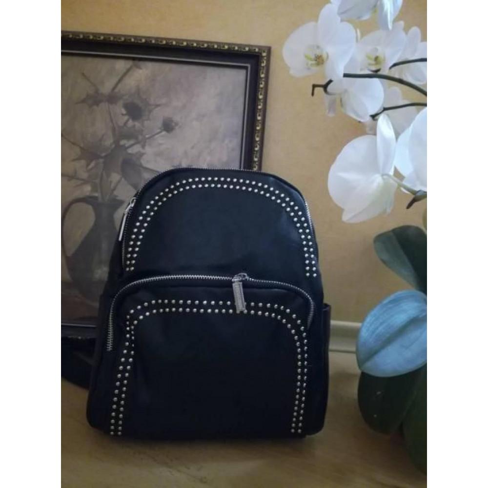"""Городской женский рюкзак """"Jasper"""" декорированный заклепками"""