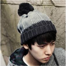 Мужская зимняя вязаная шапка  с помпоном чёрно-серая код 95
